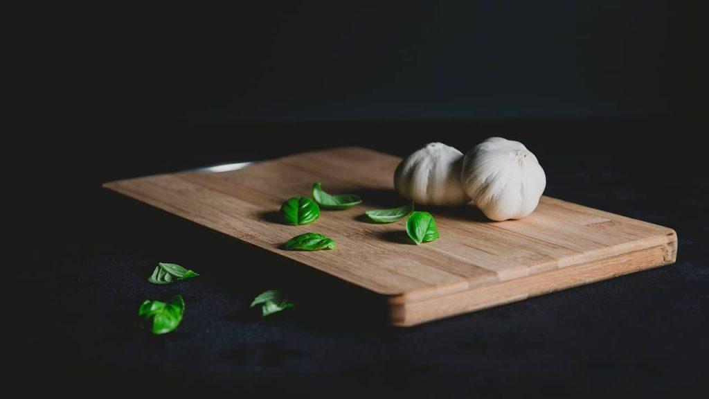 edge-grain chopping board