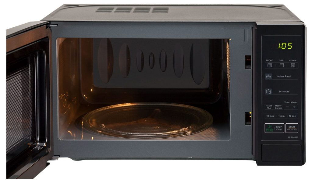 Effective Hacks To Clean A Microwave Oven