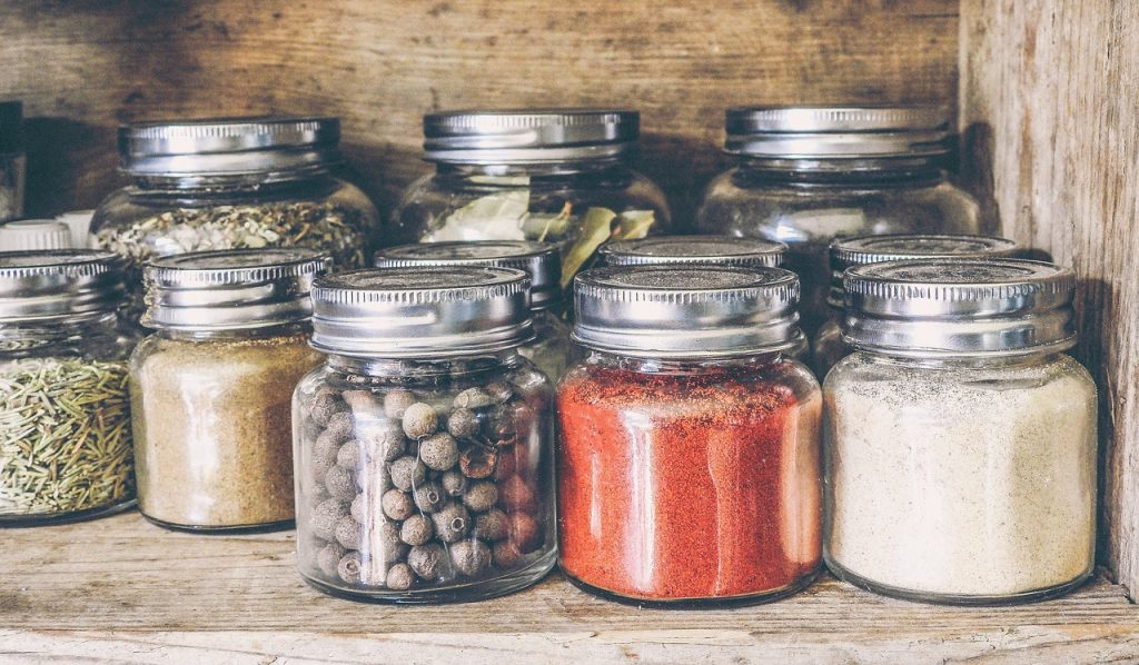 Spice Containers: Buying Guide To Select The Best
