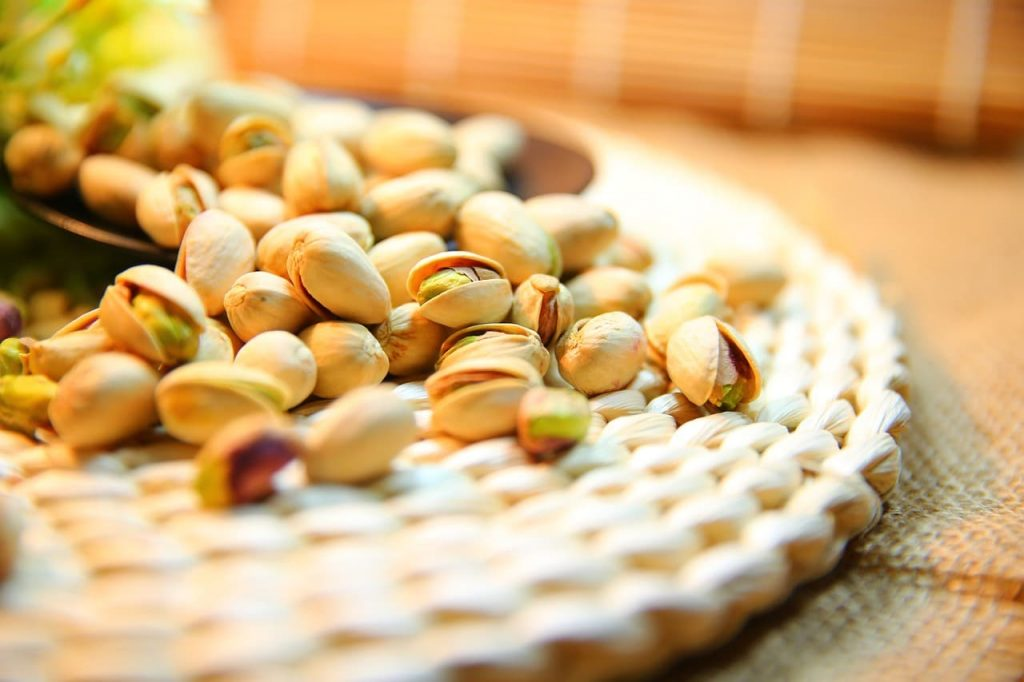 14 Benefits Of Pistachio That Make It A Super Healthy Snack