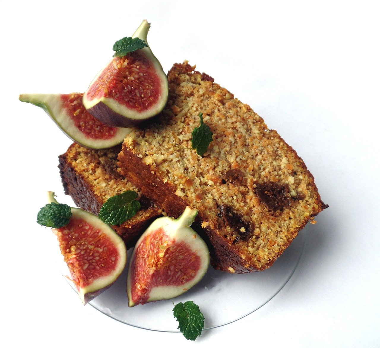Benefits of figs: Figs play an important role in improving the overall tone and texture of your skin.