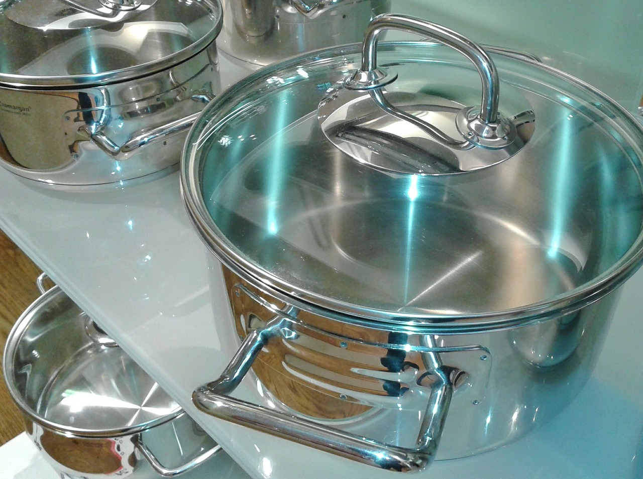 How To Clean Stainless Steel Utensils: Here's A Simple Guide To Follow