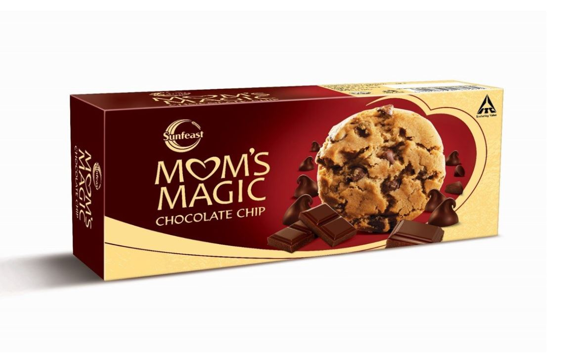 first impressions of mom's magic chocolate chip cookies