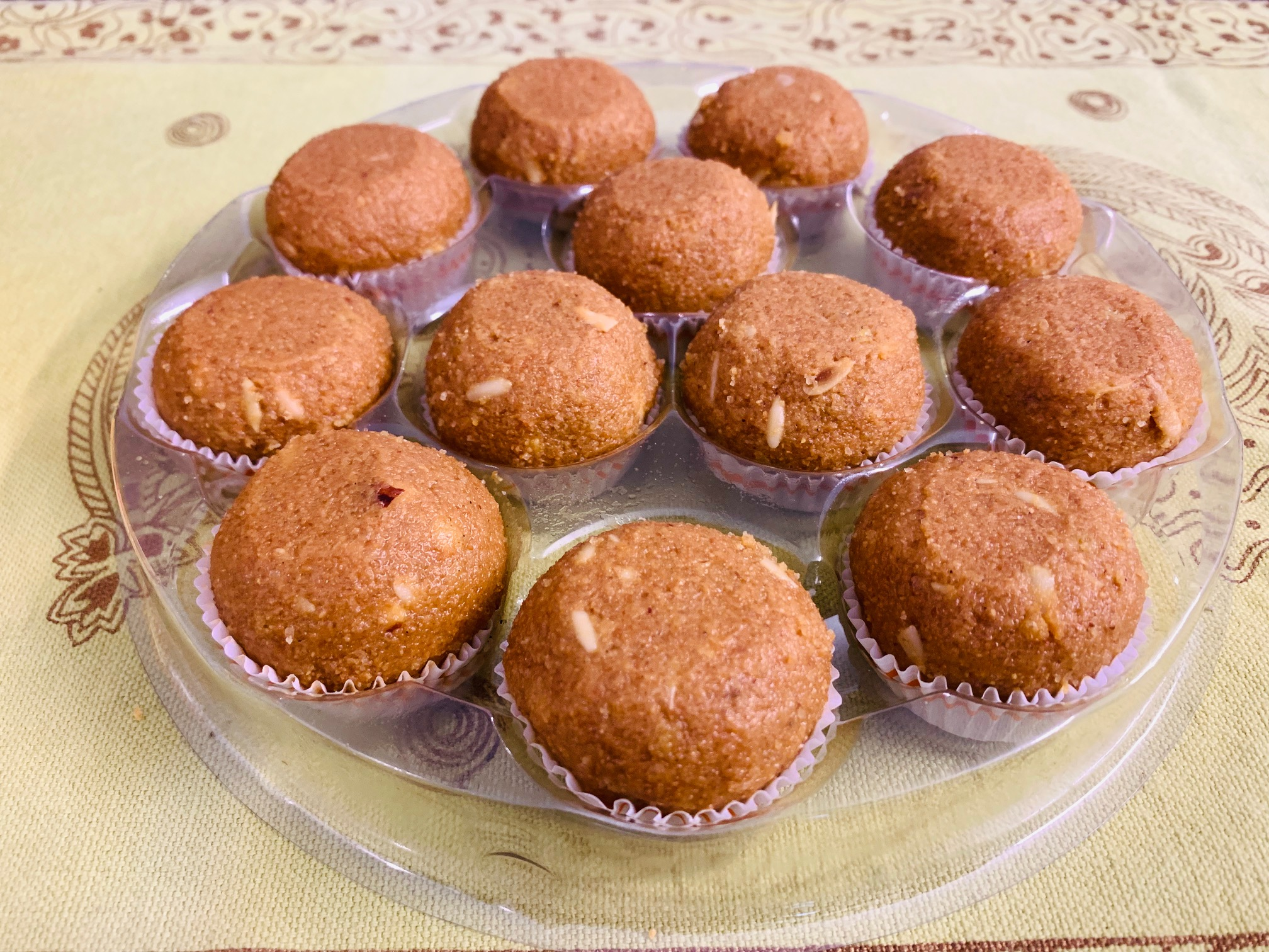 Mishry Mums Review: Haldiram's Dry Fruit Besan Ladoo