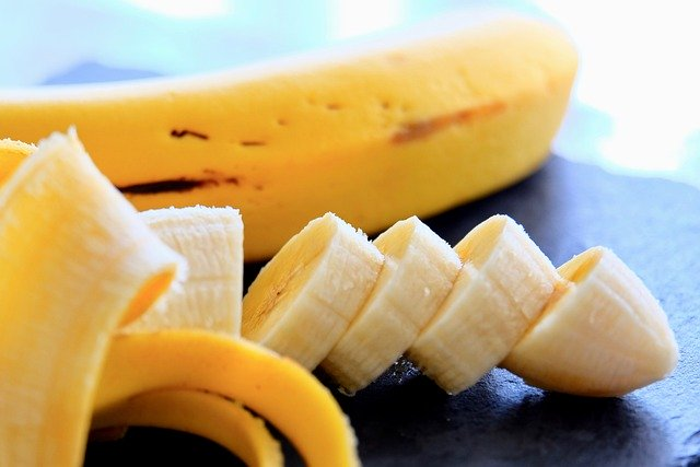 Should You Eat A Banana On An Empty Stomach?