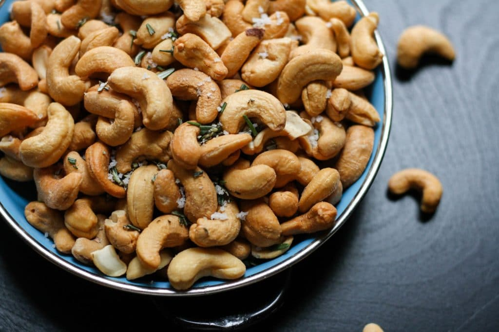 Benefits Of Cashew Nuts (Kaju): Everything You Need To Know
