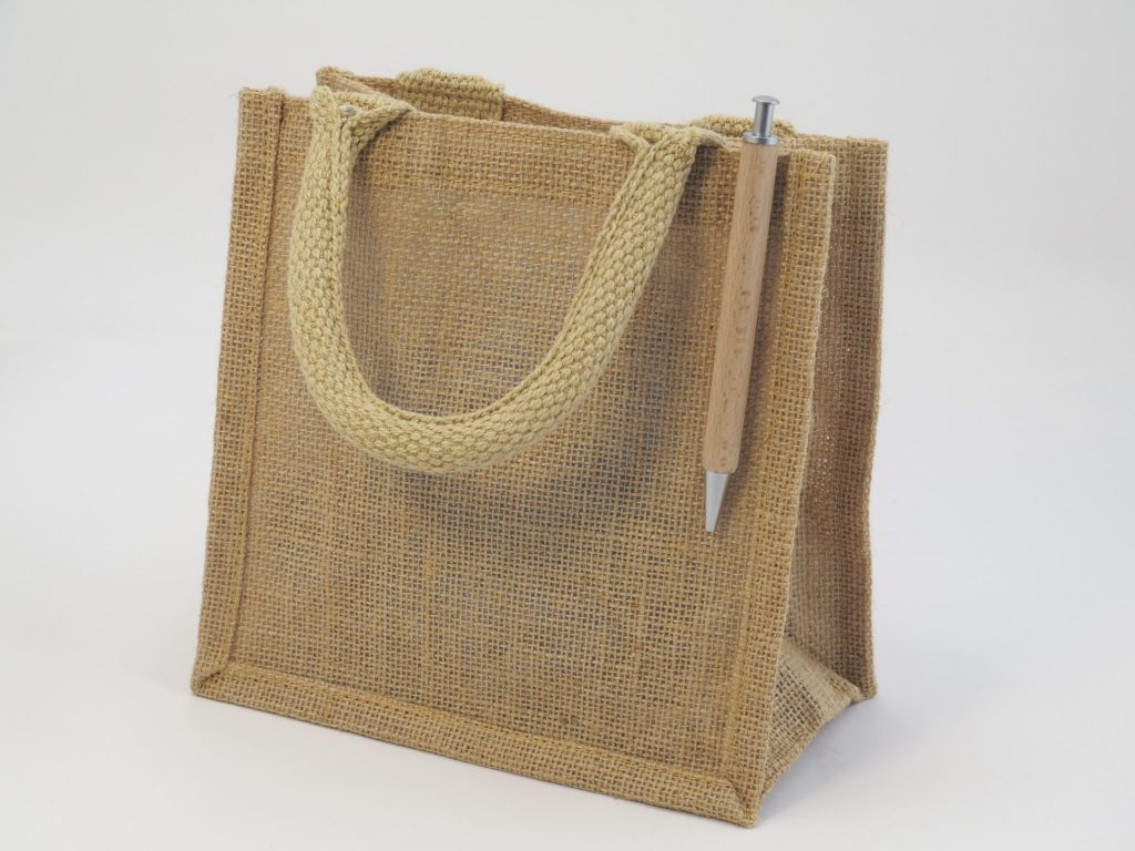Reusing Grocery Bags? They Need To Be Cleaned Now!