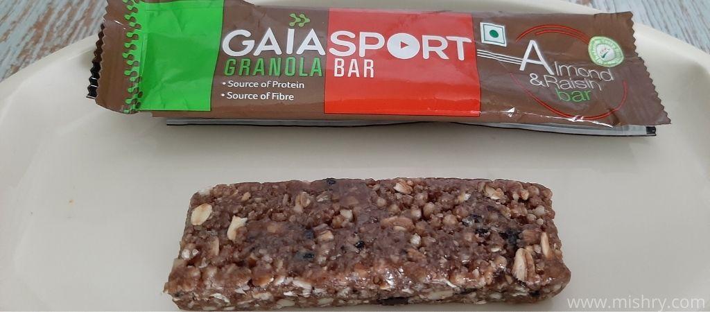 gaia sport almond and raisin granola bar review