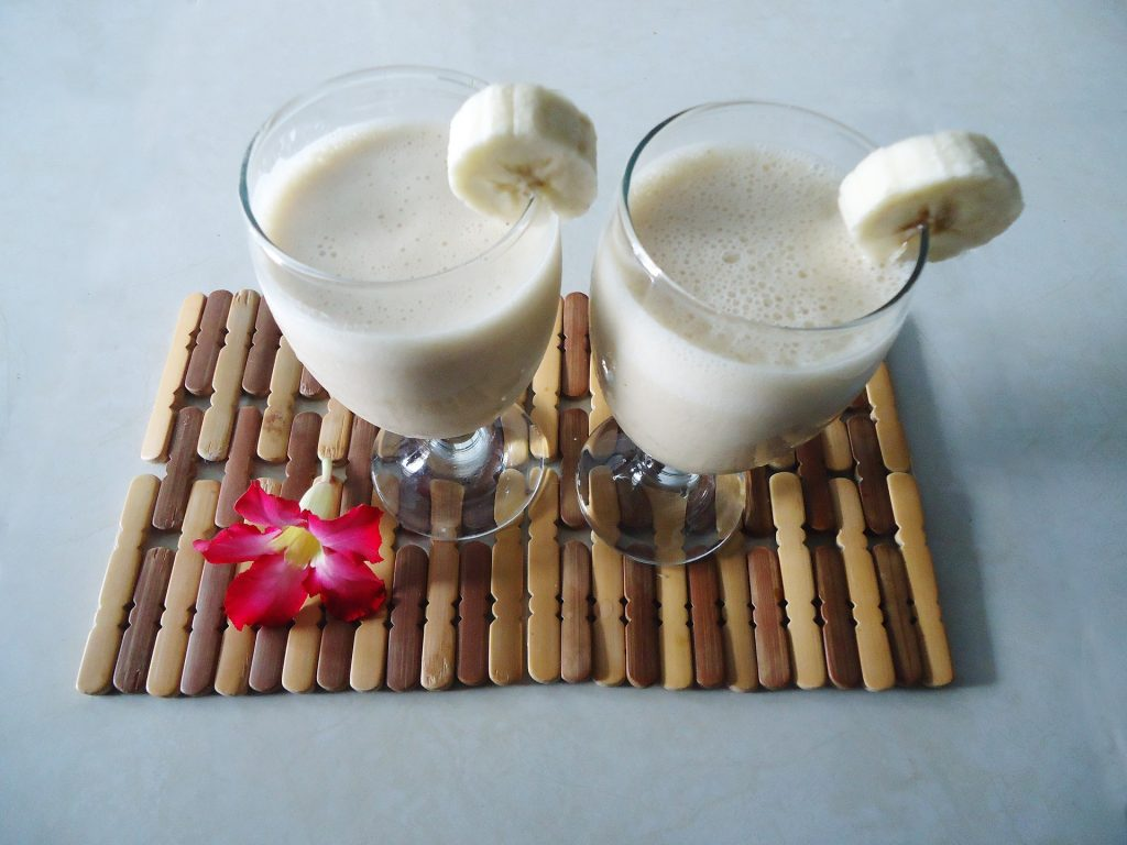 banana smoothies with oats