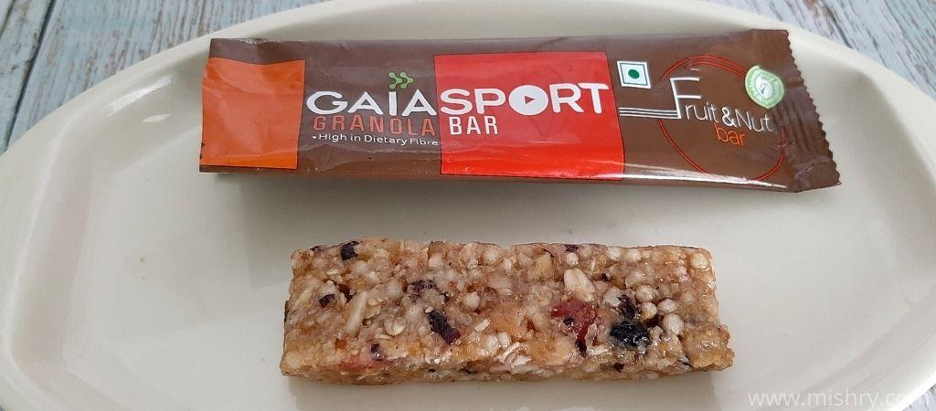 gaia sport fruit and nut granola bar review