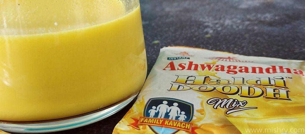 closer look at the color and texture of bambino haldi doodh ashwagandha milk