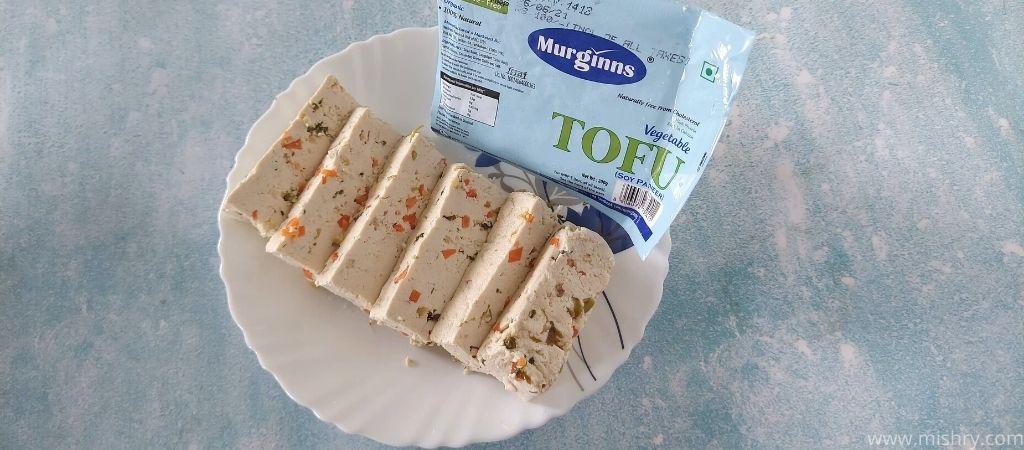 murginns tofu in a plate